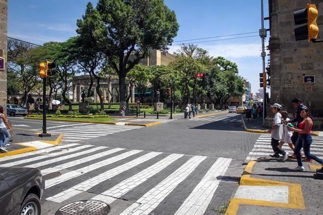 Olvidan trabajos en zona 30 cr nica de sociales for El mural aviso de ocasion guadalajara